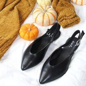Shoes - 🆕️//The Hayley// Black slingback flat